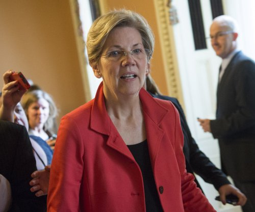 Elizabeth Warren appears at Clinton campaign headquarters