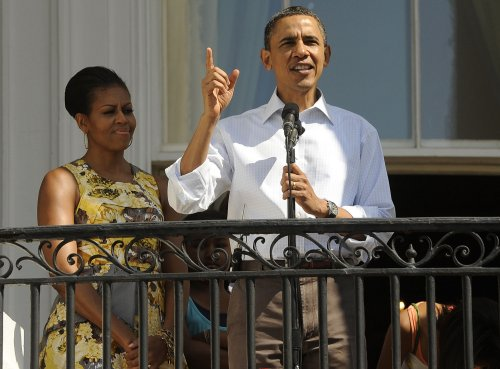 Obamas release tax returns