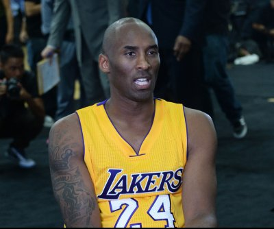 Los Angeles Lakers welcome rusty Kobe Bryant back into action