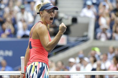Top-seeded Angelique Kerber rolls in Australian Open