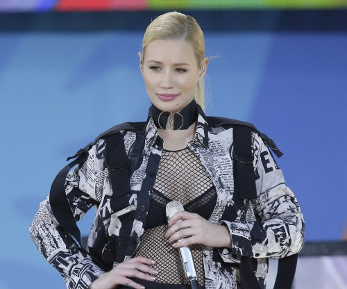 Iggy Azalea gets close to new beau after French Montana split