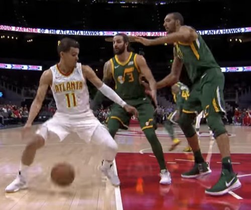 Hawks' Trae Young tricks Jazz defenders with slick dribble move