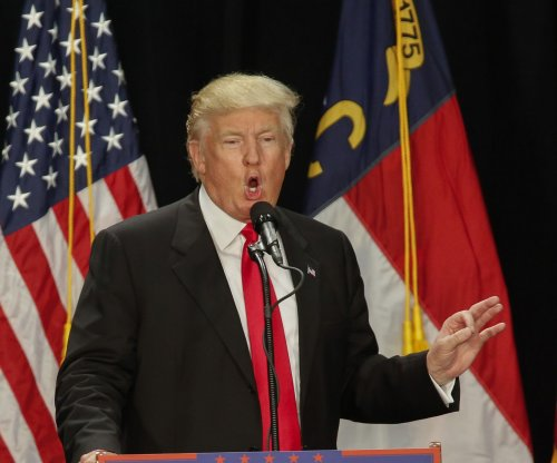 Donald Trump calls for special prosecutor to investigate Hillary Clinton emails