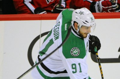 Stars starting to click; Red Wings still struggling