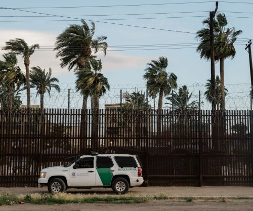 Fearing 'birth tourism,' U.S. restricts entry for pregnant migrants