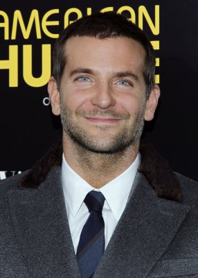Bradley Cooper talks about his 'American Hustle' look