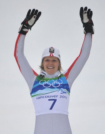 Austria 1-2 in women's slalom; Vonn gains