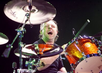 Lars Ulrich accepts drum-off challenge from Will Ferrell, Chad Smith