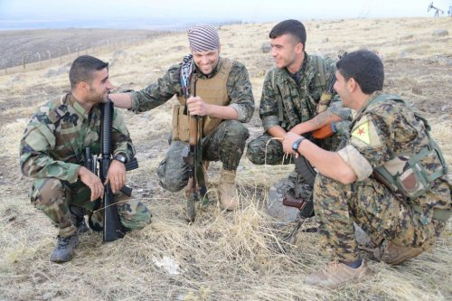 American fighting with Kurds in Syria: Civilians burned in chemical attack
