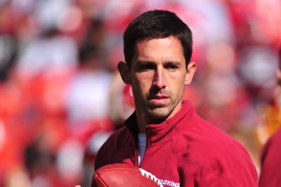 Kyle Shanahan, Richard Smith join Atlanta Falcons coaching staff