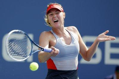 Maria Sharapova moves on in Acapulco