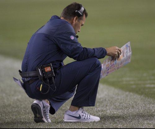 Denver Broncos blast Tampa Bay Buccaneers but lose Trevor Siemian