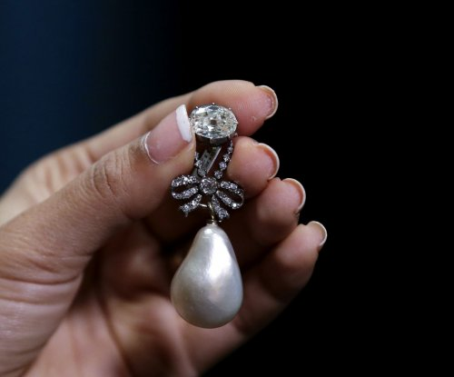 Marie Antoinette's pearl pendant sells for record $36M