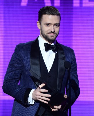 Justin Timberlake joins Michael Jackson on 'Love Never Felt So Good'