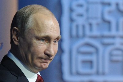 Putin works to counter impact of low oil prices