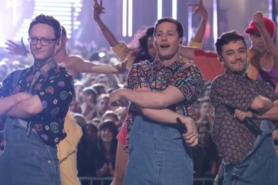 The Lonely Island pay tribute to Will Smith during MTV Movie Awards