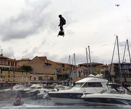 Jet Ski champion sets world record hoverboard flight
