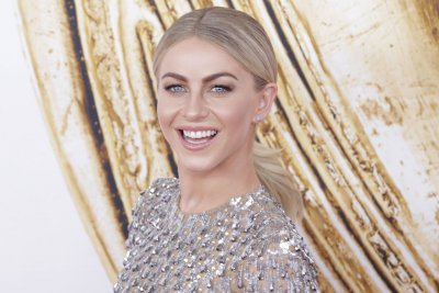 Julianne Hough reveals her wedding details -- or lack thereof