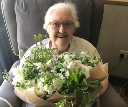 Royal wedding flowers gifted to London hospice