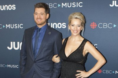 Michael Buble expecting daughter with Luisana Lopilato