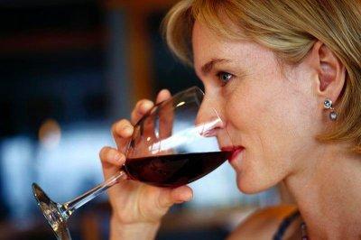 'Moderate' drinking may be a brain buffer