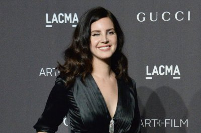 Lana Del Rey, boyfriend Sean Larkin go Instagram official