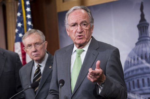Tom Harkin hangs onto $2.4M while Braley locked in tight race for Iowa