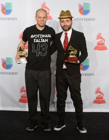 Iglesias, Calle 13 clean up at Latin Grammys