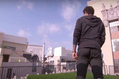 Soccer star Neymar makes ridiculous rooftop goal on 'Jimmy Kimmel Live'