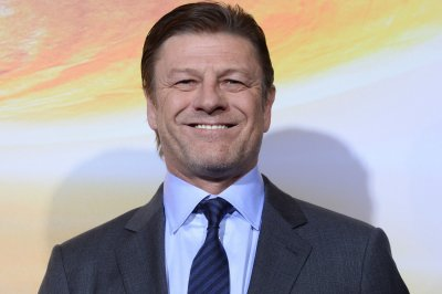 Sean Bean to co-star with Helen Hunt in miniseries