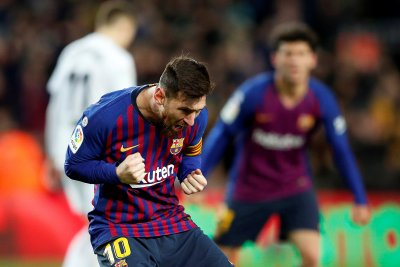 Lionel Messi rips spectacular golazo, saves Barcelona in draw