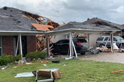 Deep South begins cleanup after tornadoes kill 34
