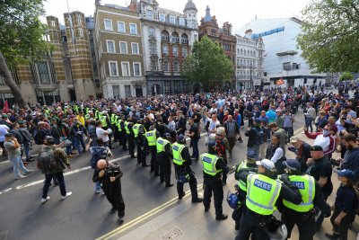 Far-right groups blamed for clash with London police