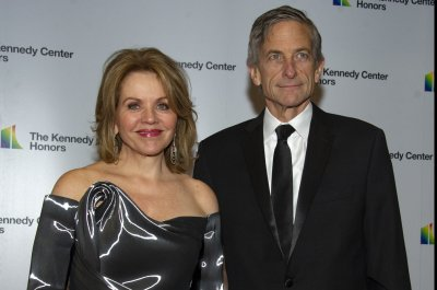 Renee Fleming, Vanessa Williams to headline Kennedy Center in-person performance