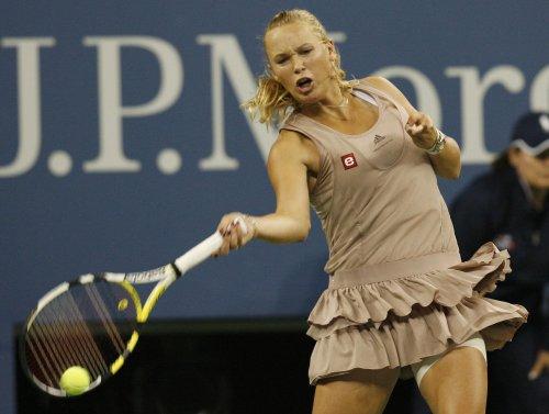 Wozniacki wins, Sharapova out at WTA event