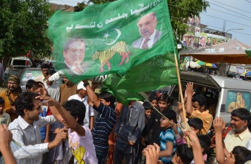 Pakistan praised for election