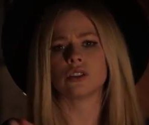 Avril Lavigne teases music video for 'Give You What You Like'