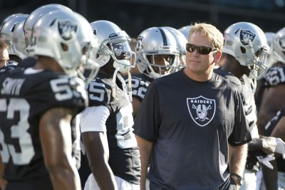 Oakland Raiders' Jack Del Rio expects Chicago Bears to start Jay Cutler