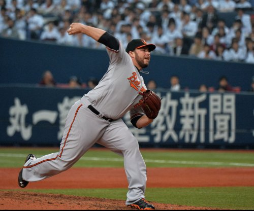 Cleveland Indians sign RHP Tommy Hunter to one-year deal