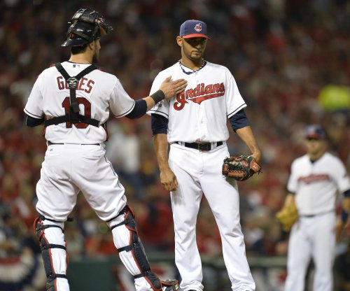Cleveland Indians expect Yan Gomes to miss at least a month