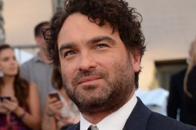 ABC courting Johnny Galecki for 'Roseanne' revival