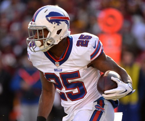 Buffalo Bills use LeSean McCoy, turnovers to bury Oakland Raiders in blowout