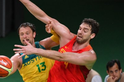 Ex-NBA star Pau Gasol returns to Spain, signs with FC Barcelona