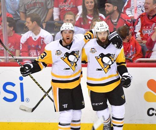 Nick Bonino scores late as Pittsburgh Penguins top Washington Capitals in Game 1