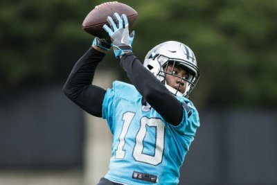 Carolina Panthers activate WR Curtis Samuel