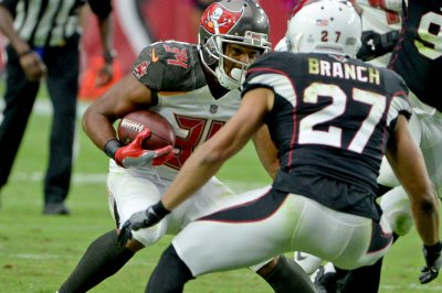 Tampa Bay Bucs place RB Charles Sims on injured reserve
