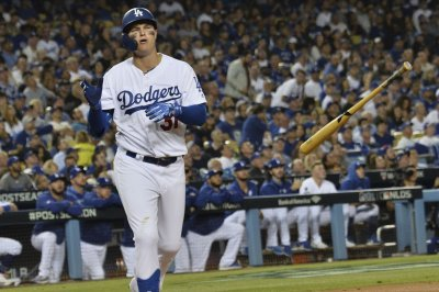 Los Angeles Dodgers trading Joc Pederson to Angels