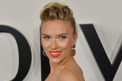 Scarlett Johansson says Mark Ruffalo wouldn't get 'Avengers' group tattoo