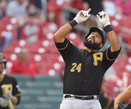 Pittsburgh Pirates squeeze past Philadelphia Phillies in extra innings
