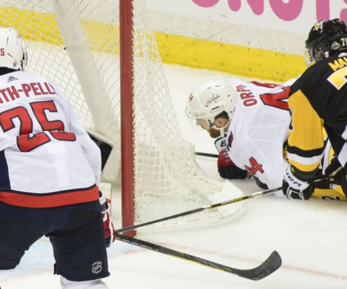 Penguins even Stanley Cup playoff series vs. Capitals, get crazy goal from Malkin